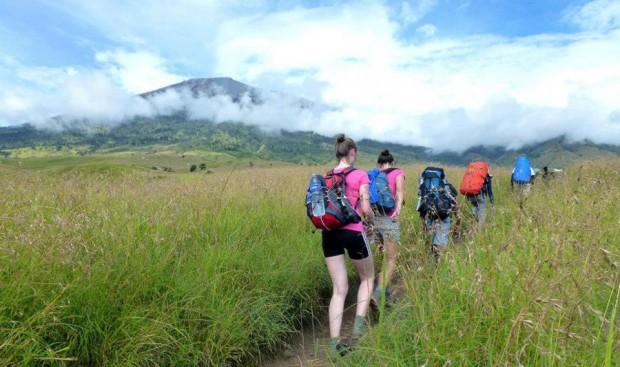 jalur pendakian ke Rinjani
