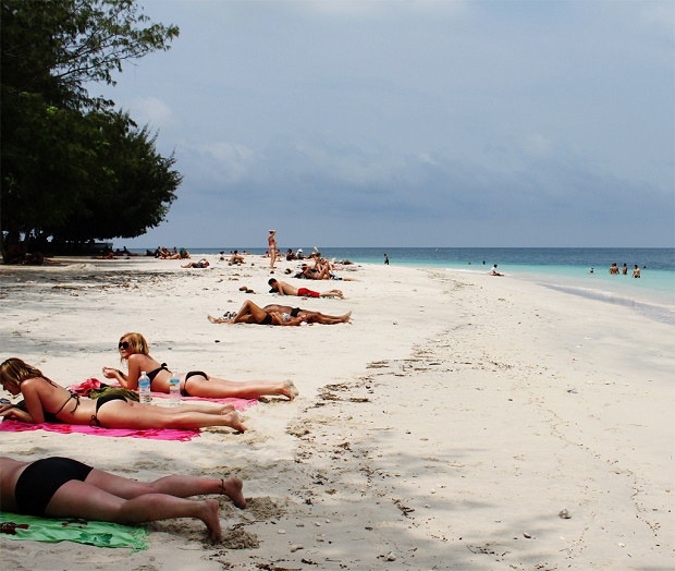 Situasi Pantai di Gili Trawangan (c) commons.wikimedia.org