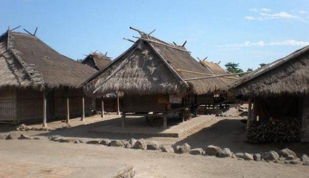Rumah Adat Senaru Lombok